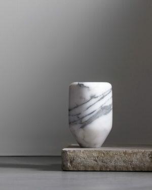 Vaso Carrara small, marble edition